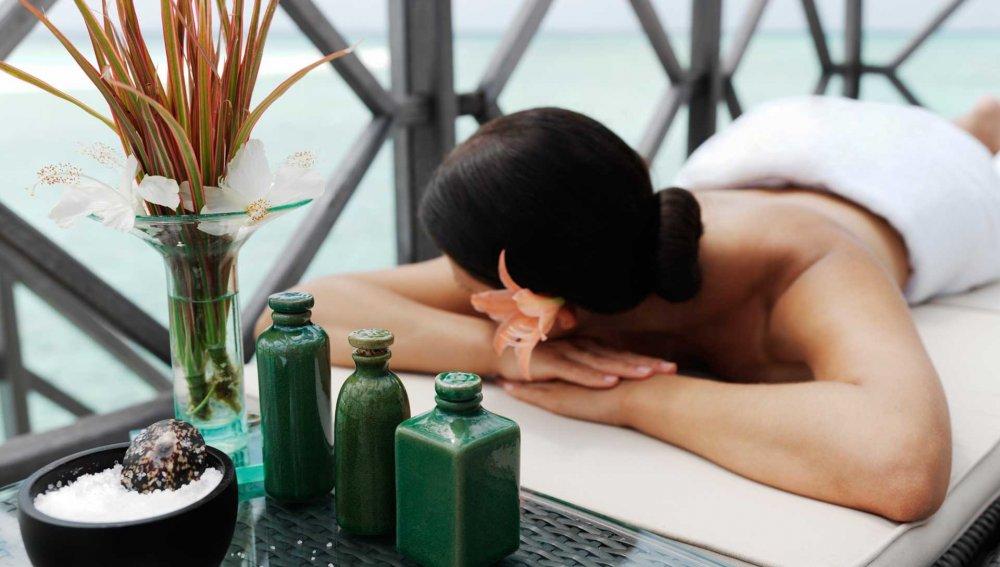 Aroma Luxe Massage Yon-Ka
