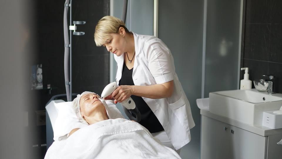 RF-ліфтинг обличчя: омолодження шкіри за 5 сеансів