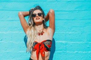 Літо в місті: актуальні поради та популярні салонні процедури