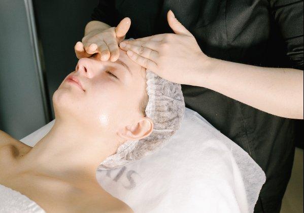 Методика FAITH NIPS для безін'єкційного омолодження обличчя