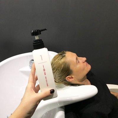 Абсолютное счастье для волос, шаг 3: увлажнение волос муссом LebeL