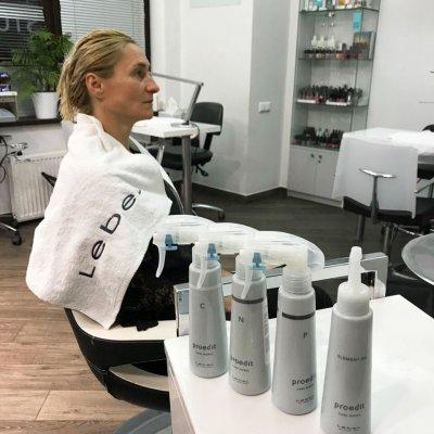 Абсолютное счастье для волос, шаги 4-7: нанесение четырех сывороток для восстановления липидного, водного и белкового баланса